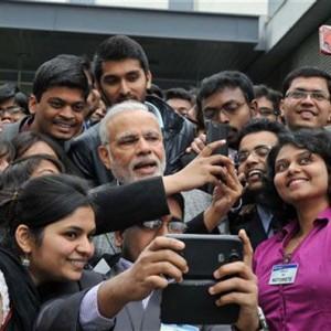 Modi-selfie-France_0_0